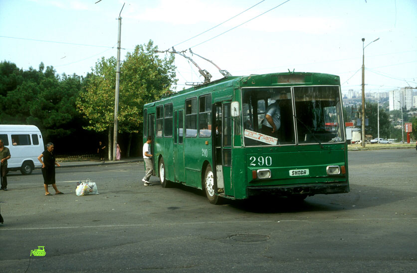 Škoda Trolleybus painted green in Tbilisi