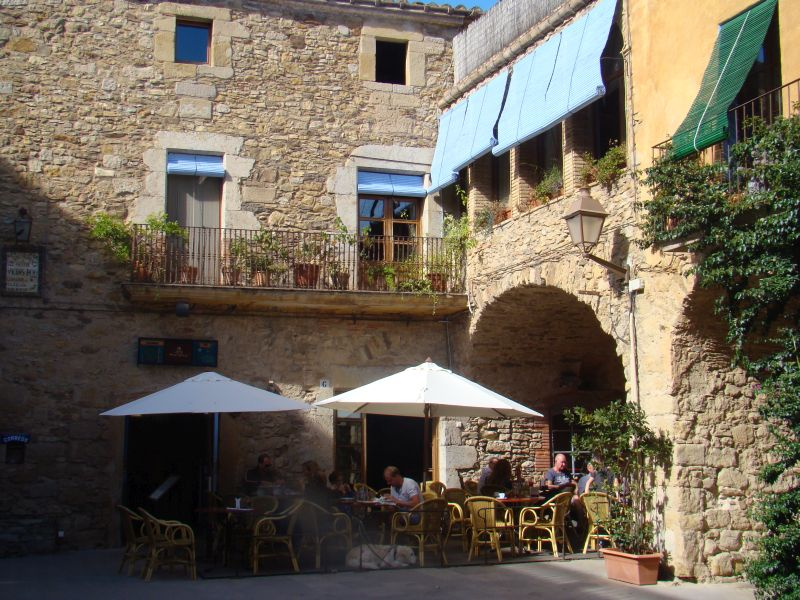 Restaurant at Peratallada Town square