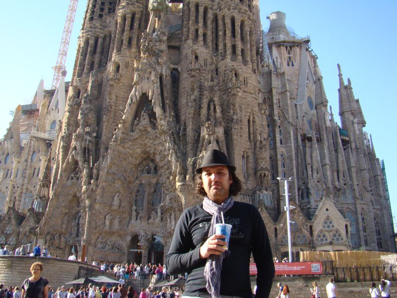 Author of this blog captured near La Sagrada Familia