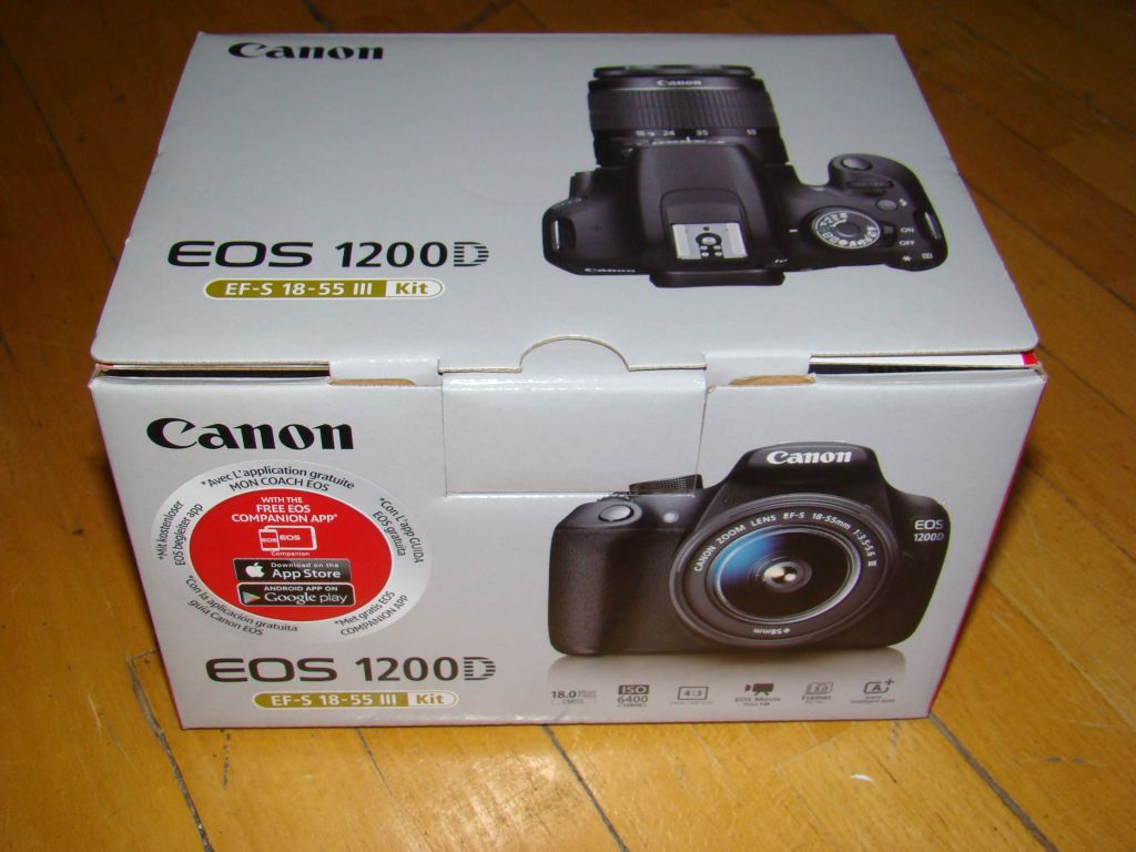 Canon EOS 1200D in the box