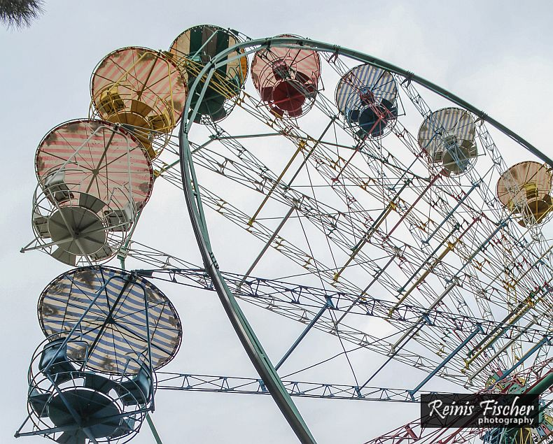 Open air Ferris wheel