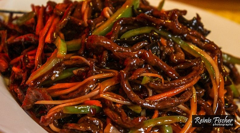 Shredded beef in sweet and spicy sauce