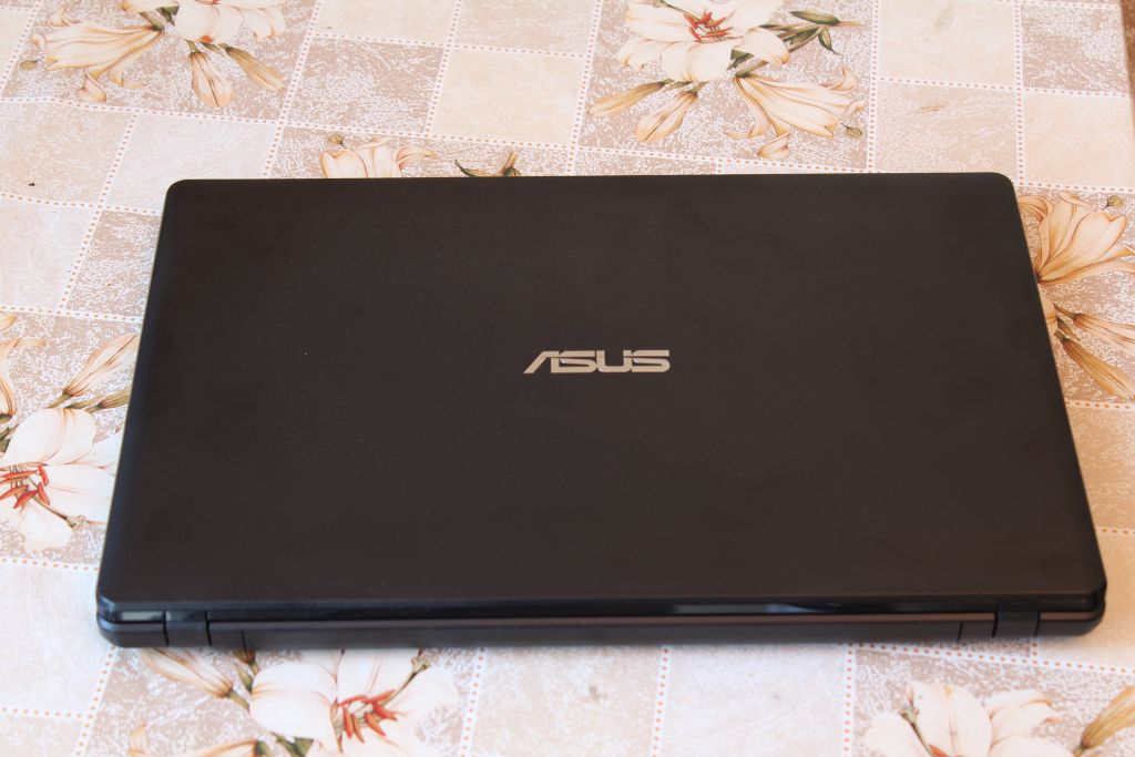 Lovely cover of ASUS X552M