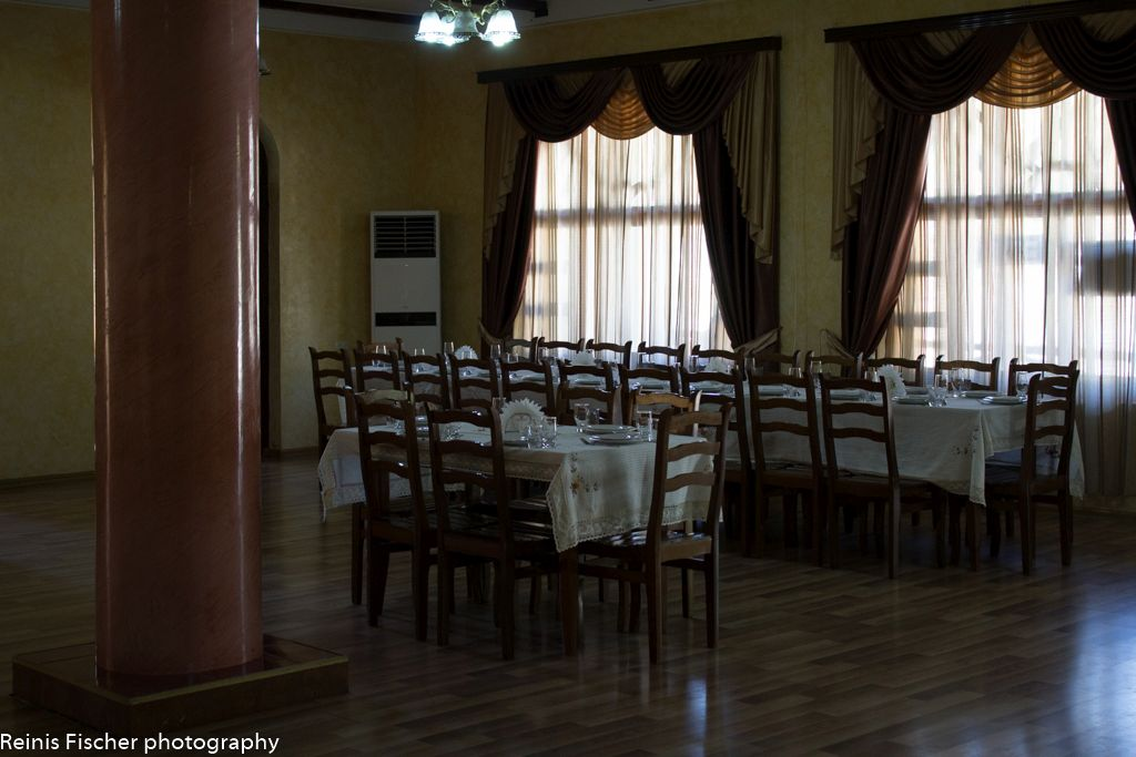 A large banquet hall in Dzveli Gelati restaurant