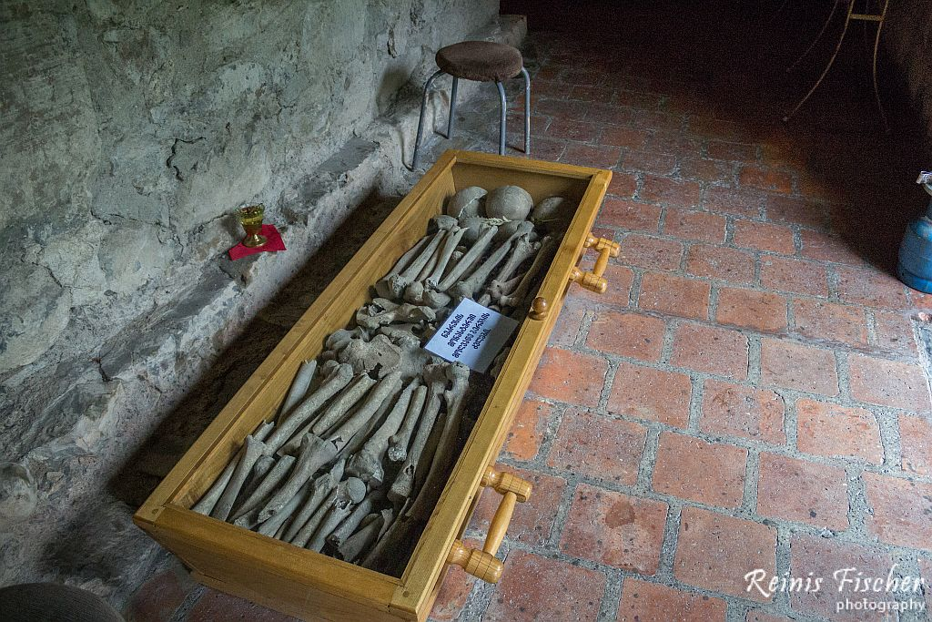 Bones at Nekresi church