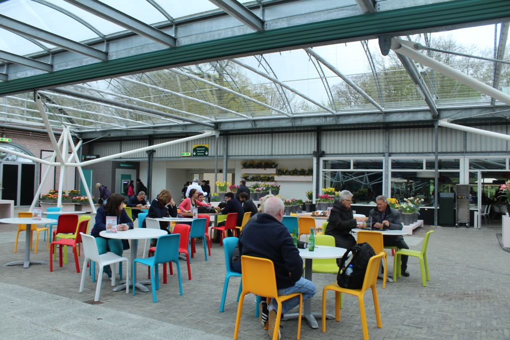 Indoor cafeteria at Keukenhof