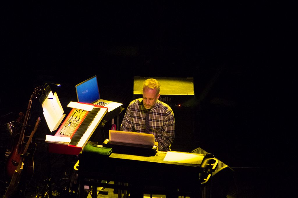 Patrick Warren at keyboards