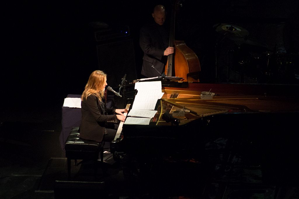 Diana Krall and Dennis Crouch (bass)