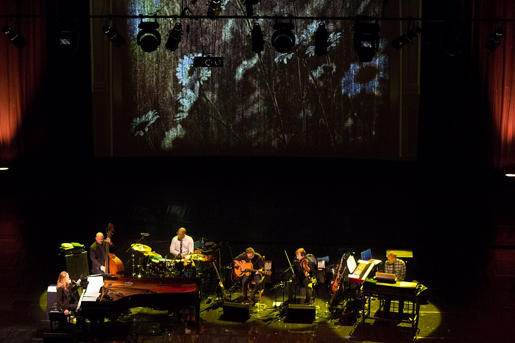 Diana Krall and band performing California Dreamin' on Tbilisi stage