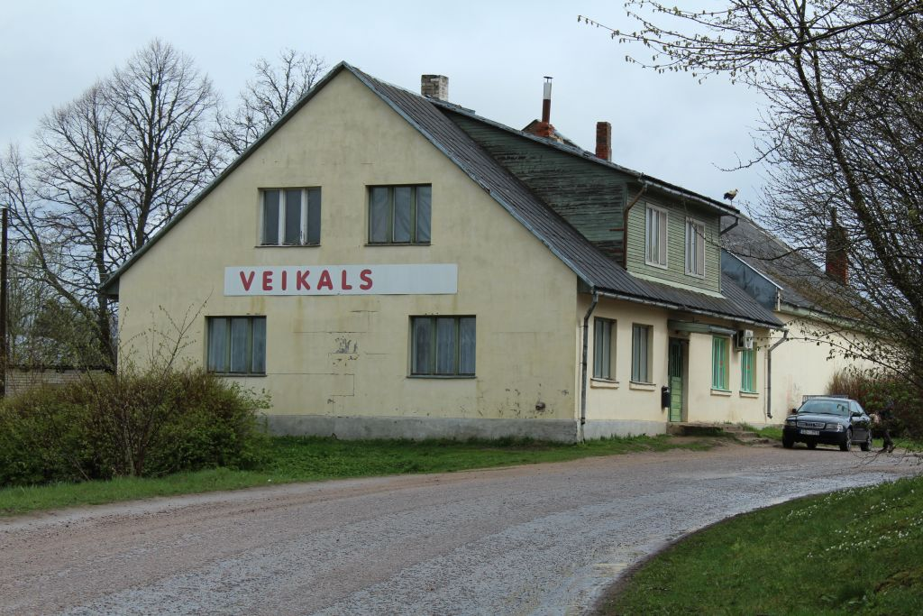 Shop near Valtaiķi church