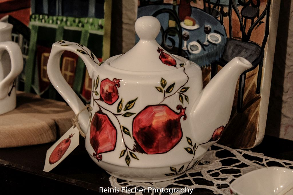 Teapot painted with pomegranates
