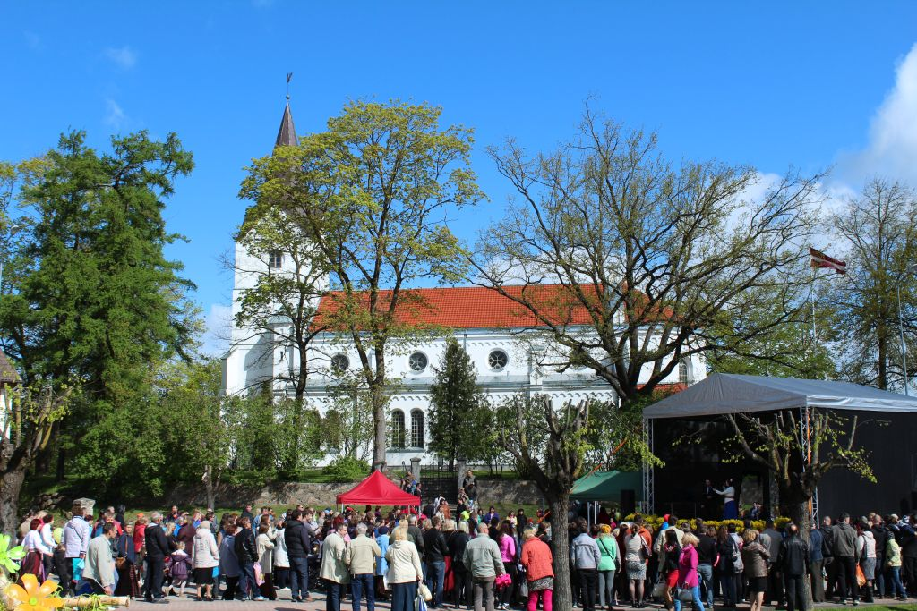 Marketplace near church