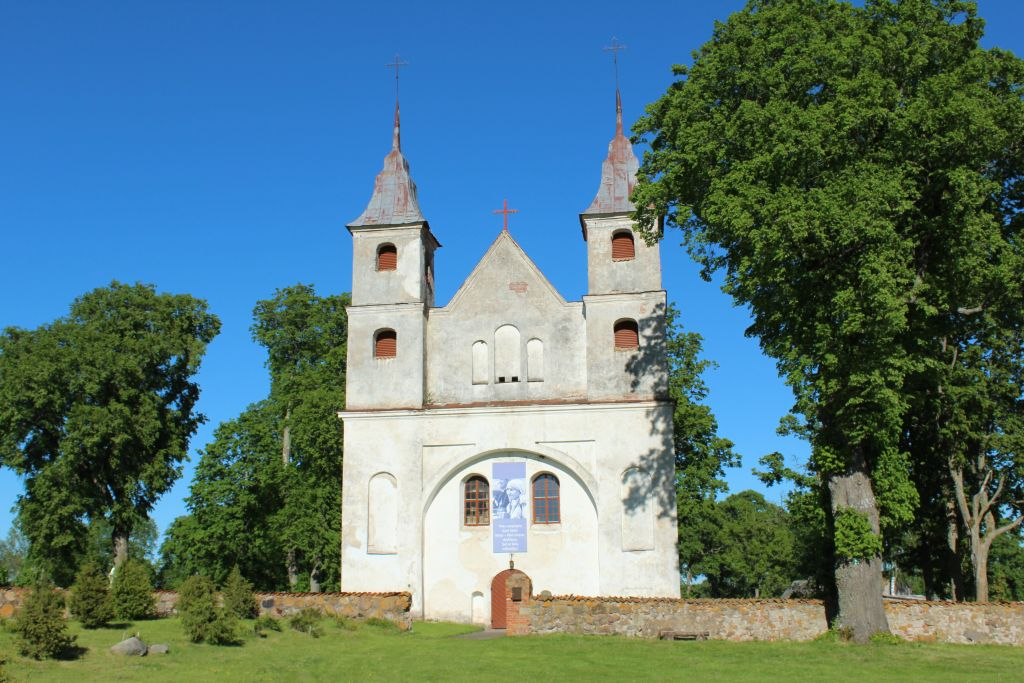Lenu church