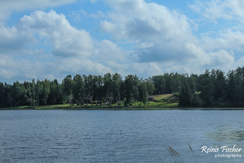 Pastaiga mākoņos near Tirelu lake