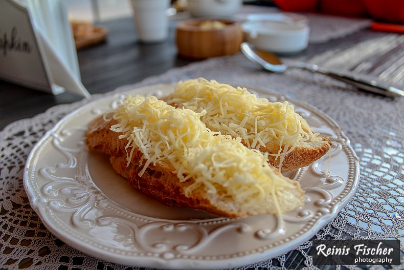Bread with grated cheese