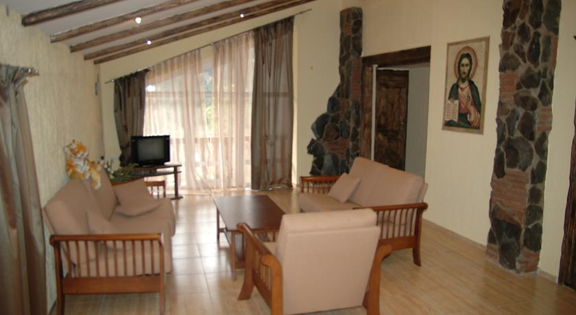 http://www.booking.com/hotel/ge/borjomi-palace-amp-spa.en-us.html?sid=b5a680489dbddacc0ee3f2cd9f88a397;dcid=4;checkin=2014-09-16;checkout=2014-09-17;ucfs=1;srfid=a32254497fbfff121142daaf538ce82ca6c749f7X2;highlight_room=