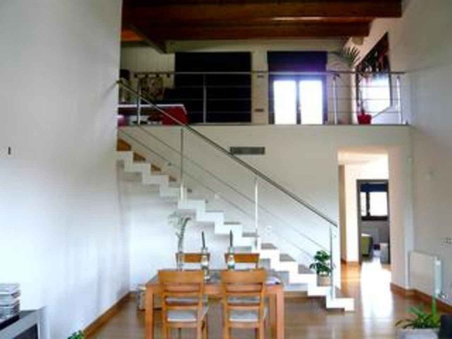 Town house for rent in Girona