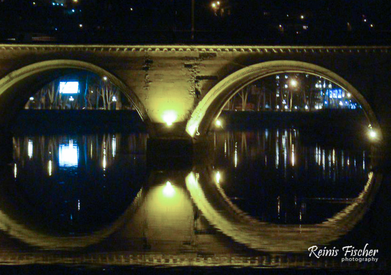 Tbilisi bridge in night