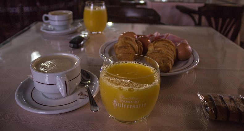 Breakfast at La Codorniz hotel