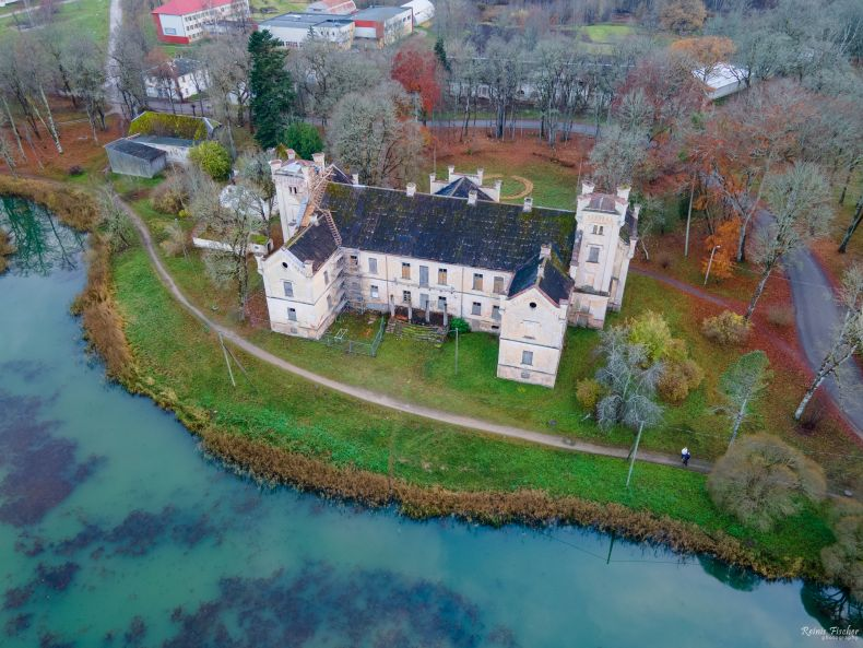 Cīrava manor from a drone flight