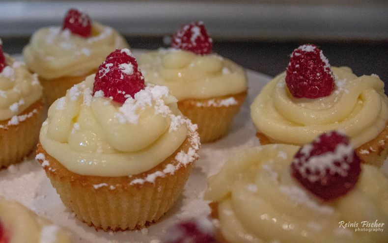 Lemon / raspberry cupcakes