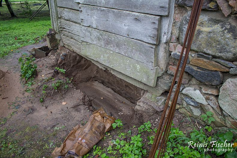 Hardened foundation footing