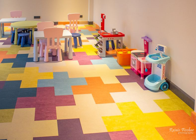 Paid kids playroom