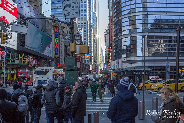 Always busy 5th avenue in New York