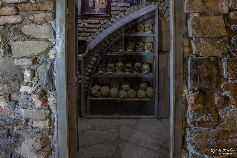 A chamber with skulls and bones