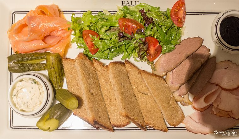 An appetizer plate