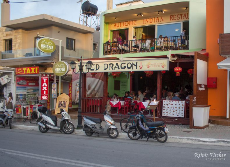 Red Dragon restaurant in Platanias
