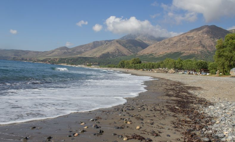 Beautiful, non touristic beach in Crete